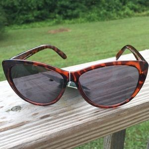 Foster Grant NWT animal print sunglasses